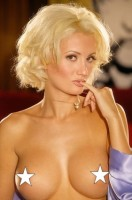 holly_madison_000001