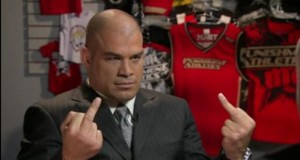 Tito Ortiz double bird