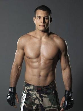 Vinny Magalhaes vs. Igor Pokrajac added to UFC 152 in Toronto