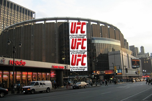 Watch today s ufc new york legalization press conference live on at 2 p m et for Sports bars near madison square garden