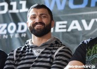Andrei Arlovski signs with the UFC