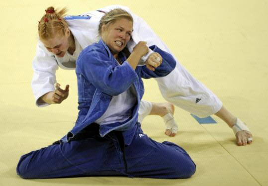 http://prommanow.com/wp-content/uploads/2011/03/Rousey.jpg