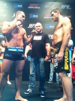 mauricio shogun rua-forrest griffin faceoff-ufc134 weighins