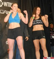 Sarah Kaufman-Alexis Davis-Strikeforce