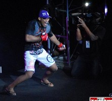 "Ronaldo ""Jacare"" Souza making a grand Strikeforce entrance. Photo by ProMMAnow.com"