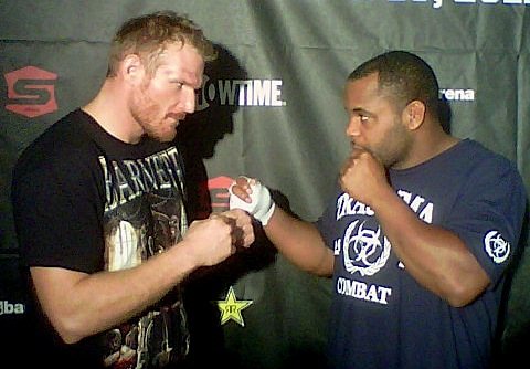'Strikeforce: Barnett vs. Cormier' LIVE weigh-in results