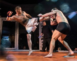 Tyson head kick