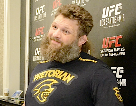 Shane Carwin and Roy Nelson to coach season 16 of 'The Ultimate Fighter'