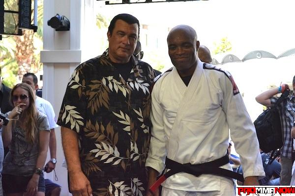 Anderson Silva UFC 148 open workout video and photos (Seagal included)