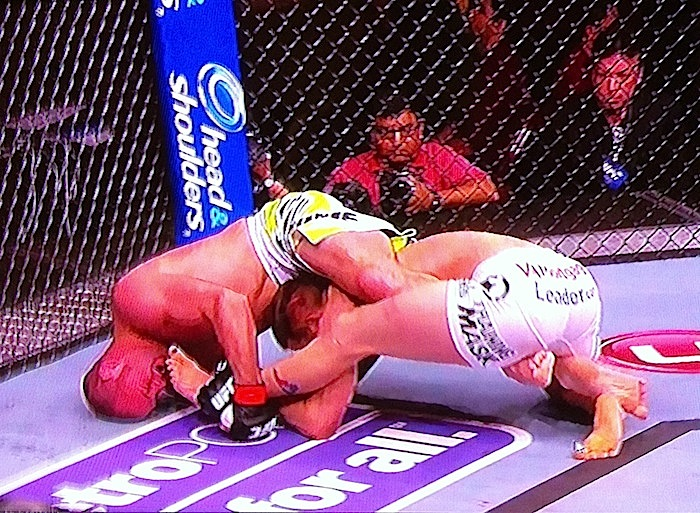 Kenny Robertson submits Brock Jardine at UFC 157