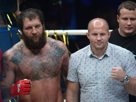 Alex and Fedor Emelianenko at ProFC 49. Photo courtesy Itar Tass for Gazeta.ru