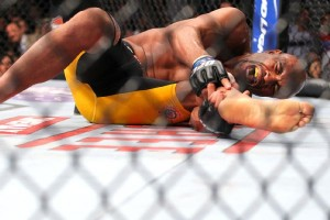 Anderson Silva leg break