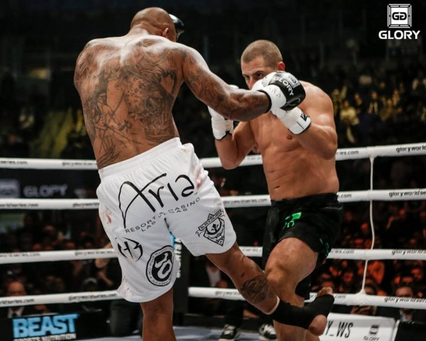 tyrone spong leg break vs gokhan saki