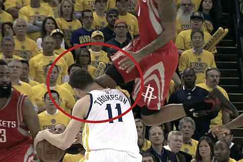 Klay Thompson gets dropped with flying knee from Trevor Ariza *Video*