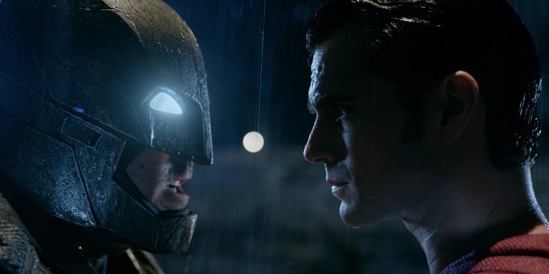Superman unmasks Batman in Gotham exclusive Dawn of Justice clip